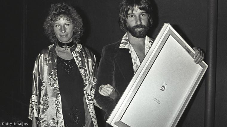 Barbra Streisand, az 1976-os Csillag születik főszereplője, akkori szerelmével.