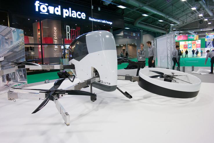 És íme a repülő autó!!! Ja nem, csak egy kurva nagy drón