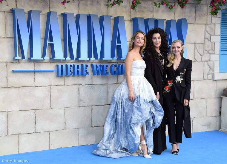 Ott van például Cher, akinek volt egy kis szerepe a második Mamma Mia!-ban