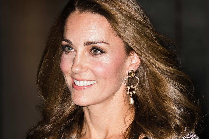 Katalin hercegné csinos ruhában gálázott - Minden szem rászegeződött