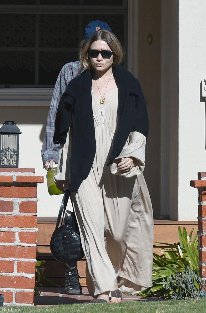 Felismeri, hogy Mary-Kate vagy Ashley bújt-e el a napszemüveg mögé?Nem csigázzuk sokáig, eláruljuk: utóbbit láthatja.