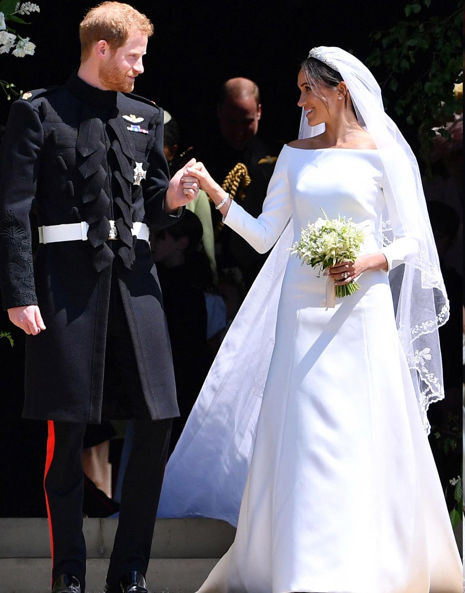 Meghan hercegné ruhája nem tartozik a legnépszerűbb szettek közé. A  rajongók szerint túl egyszerű szabása 13d70290dc