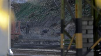 Bombát találtak a Déliben, 148 embert telepítettek ki