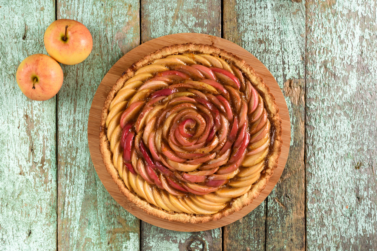 Fantasztikus almás pite sok gyümölccsel: mutatós, és nagyon omlós a tésztája