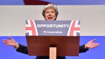 Theresa May megalázó helyzetben
