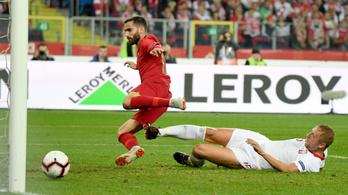A portugálok Ronaldo nélkül focizták le a lengyeleket