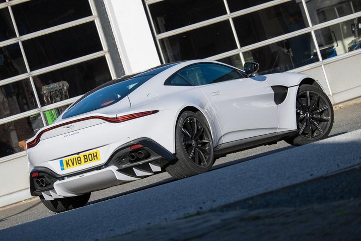 Sikerül újra feltalálni az Aston-formát, csak el ne koptassák megint
