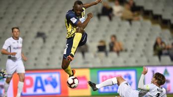 Bolt duplázott Ausztráliában, közel az új karrier