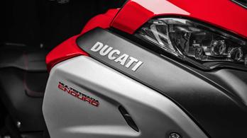 Jól áll a kosz a legújabb Ducatinak