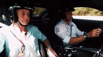 Nem ciki, ha volt F1-es visítja, ez túl gyors?
