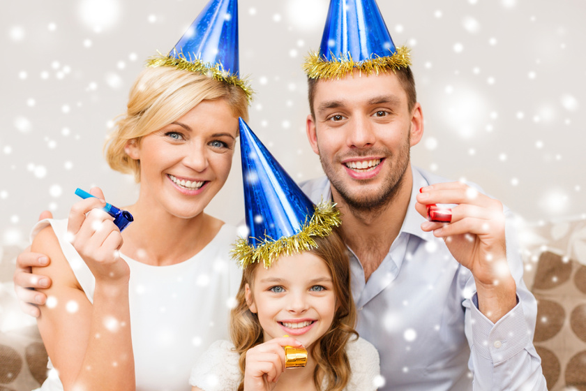 Közös buli szilveszterkor: így lesz kevésbé ciki neked és a gyereknek is