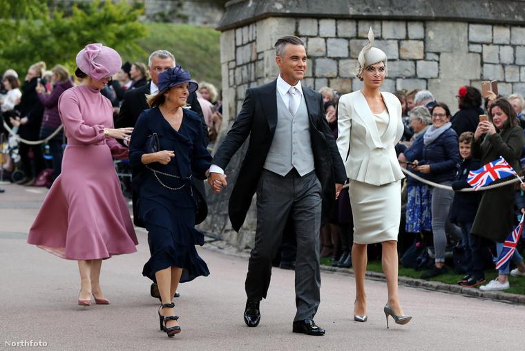 Amíg pedig felismeri a képen Robbie Williams-t és feleségét, Ayda Fieldet, hadd szóljunk néhány szót az újdonsült férjről, Jack Brooksbankről