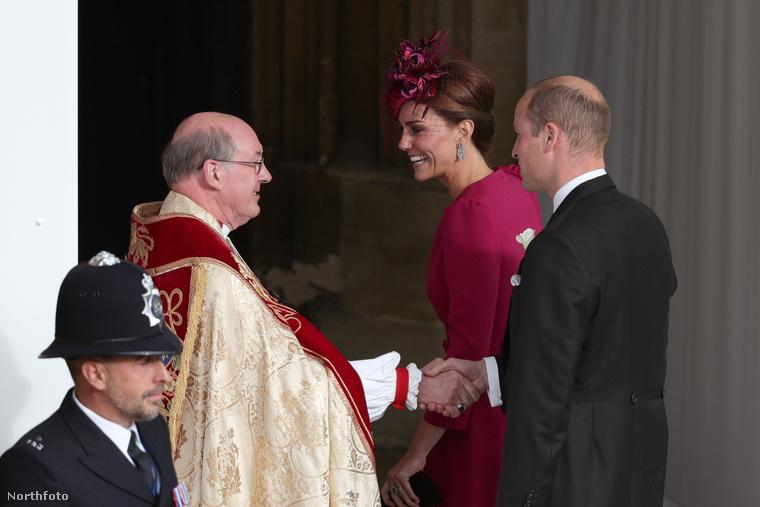 Szeptemberben még úgy hittük, Katalin hercegné távolmarad a ceremóniától, és inkább harmadik gyermekével, a féléves Lajossalfoglalkozik.DE NEM!