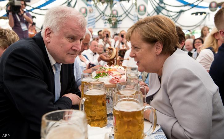 Horst Seehofer és Angela Merkel Münchenben 2017. május 27-én