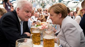 Bajorországról szavaznak, de ez Merkel jövőjére is hatással lehet