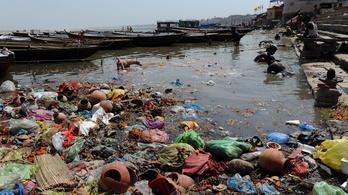 Meghalt a Gangesz megtisztításáért éhségsztrájkoló indiai aktivista