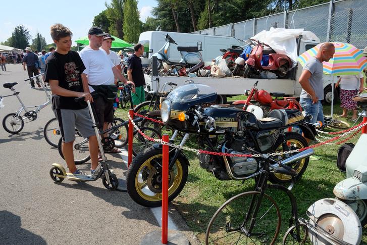 Egy Ducati Pantah a nyolcvanas évek elejéről