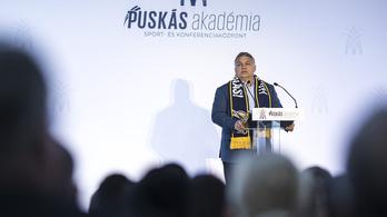 Orbán a felcsúti akadémia átadóján is brüsszelezett egyet