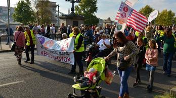 Felvonulás miatt terelések és lezárások lesznek vasárnap Budapesten