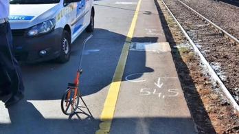 Leugrott a mozgó vonatról egy férfi Debrecenben, azonnal meghalt