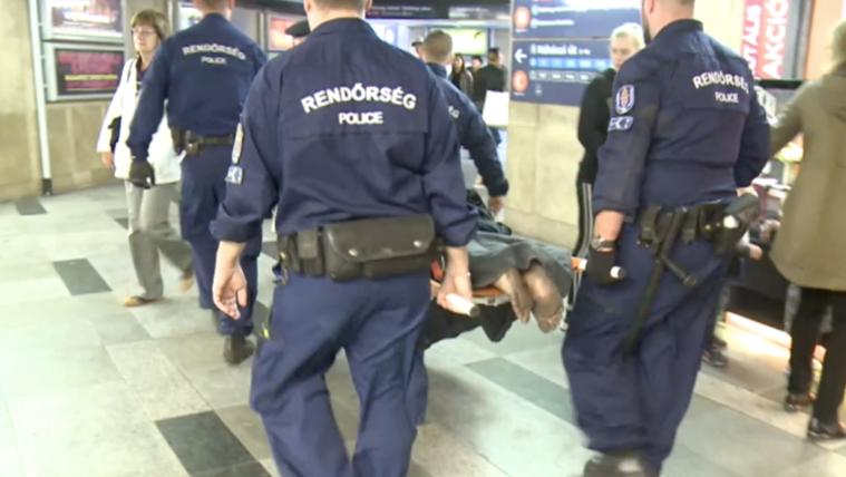 Meztelenre vetkőzve rohant a metróalagútban a 18 éves fiú