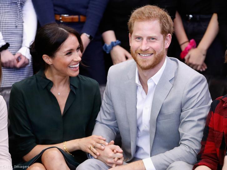 Meghan Markle és Harry herceg a Joff Youth Centre-ben, Sussex, Egyesült Királyság 2018. október 3-án
