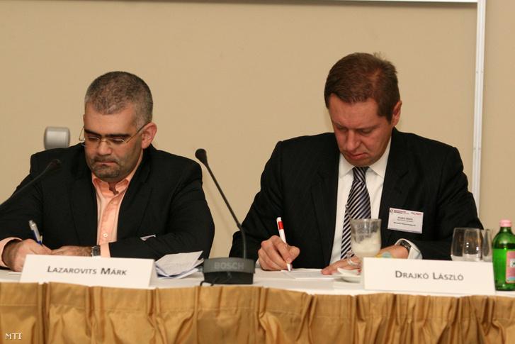 Lazarovits Márk, a Synergon Informatikai Nyrt. vezérigazgatója és Dajkó László, a Microsoft Magyarország ügyvezető igazgatója. Siófok, 2008. november 20.