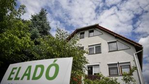 Kinyírja a lakástakarékokat a kormány