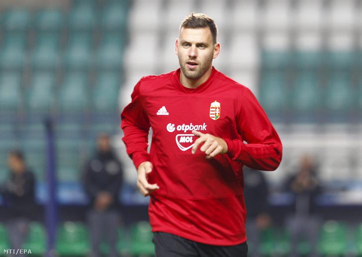 Szalai Ádám a magyar labdarúgó-válogatott edzésén a tallinni A. Le Coq Arenában 2018. október 15-én.