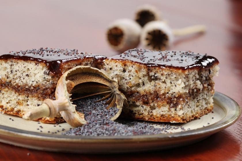 Bevált, mákos piskóta szilvalekvárral: így mindig sikerül a tészta