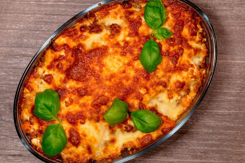 Édeskrumpli-rakottas csirkével és sajttal: laktató egytálétel a sütőből