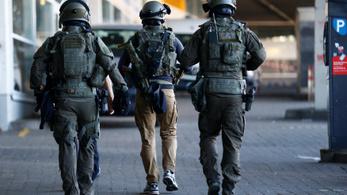 Gázpalackok is voltak a kölni túszejtőnél, aki egy McDonald's-ba is bedobott egy Molotov-koktélt