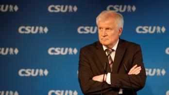 Seehofer nem akarja, hogy az EP-választás kampánytémája is a migráció legyen