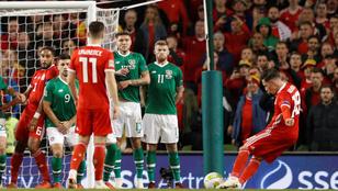 C. Ronaldo tükrözve: a walesi Wilson bámulatos szabadokat lő