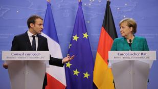 Európa csatarendbe áll