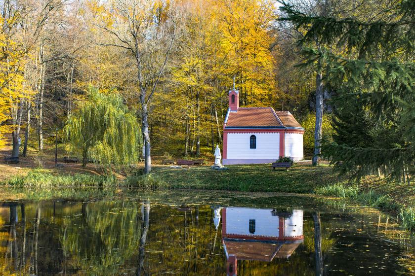 A mesebeli magyar falucska a túrázók kedvence ősszel: Bakonybél ilyenkor csodával van tele