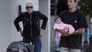 Brigitte Nielsen először merészkedett emberek közé 4 hónapos babájával együtt