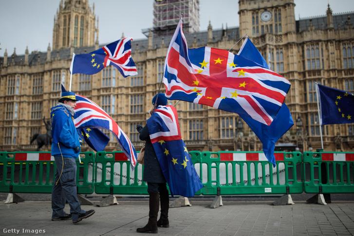 Brexit-ellenes tüntetők Londonban.