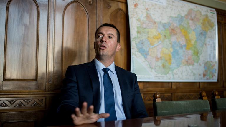 Orbán szemébe fogom mondani, hogy tolvaj!