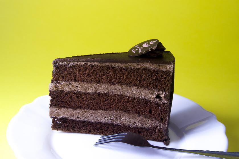 Régimódi, kávéházi csokitorta: a titok a főzött krém