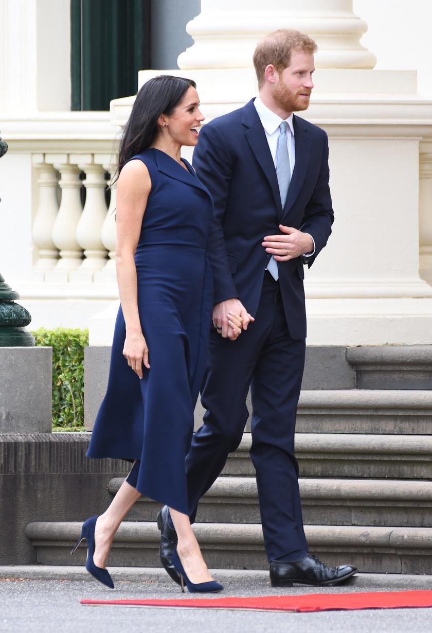 Harry herceg büszkén lépdelt gyönyörű, várandós felesége mellett.