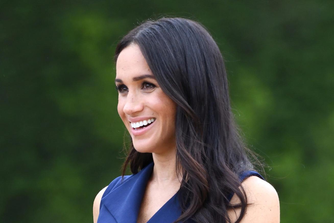meghan-hercegne-kek-ruha-ausztralia-cover