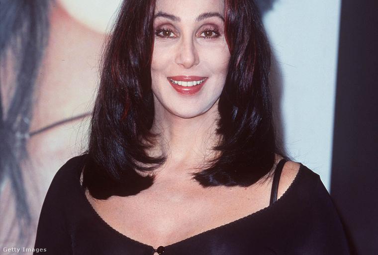 Cher példa nélküli karrierjének legnagyobb slágerét adta ki 1998. október 19-én, a Believe-et.