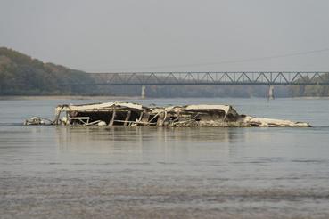 A második világháborúban elsüllyedt hajótest a Duna árterében Vámosszabadi határában 2018. október 16-án.