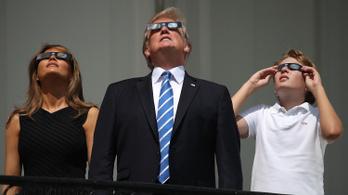Trump: Velem született érzékem van a tudományhoz