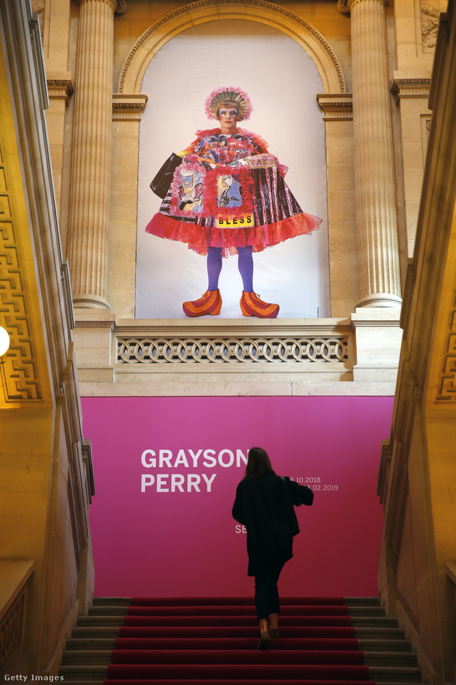 Szóval az alkalom az, hogy Párizsban megnyílt Grayson Perry brit művész kiállítása Hiúság identitás szexualitás címmel a La Monnaie de Paris nevű helyen