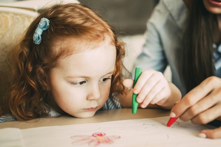 A felakasztott néni kérte, hogy rajzoljam le! Mondatok, amiket a bébiszitterek sosem akartak hallani