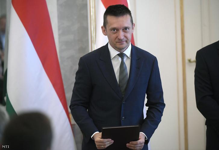 Rogán Antal a Miniszterelnöki Kabinetirodát vezető miniszter az új kormány tagjainak kinevezési ünnepségén a Sándor-palotában 2018. május 18-án.