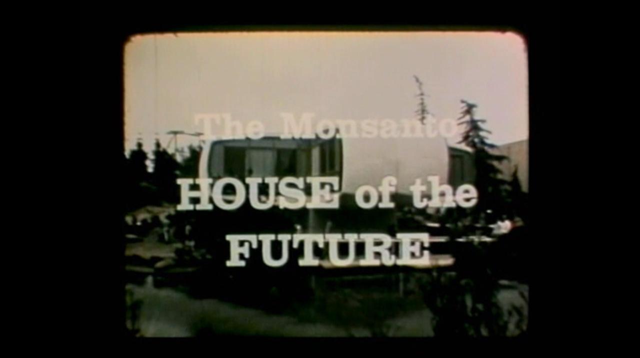 Ami a gyerekeket illeti, a Monsanto már jóval a GMO-üzletág előtt fontosnak érezte, hogy rajtuk keresztül formáljon magáról barátságos képet. A kaliforniai Disneylandben 1957 és 1967 között állt attrakcióként a jövő otthona, a Monsanto-ház, amely - a cég és az MIT közös munkájában - azt mutatta be, milyen lesz a hétköznapi jövő, 1986-ban.