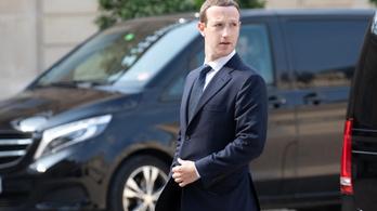 A Facebook részvényesei kiraknák Zuckerberget